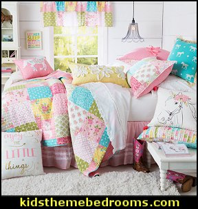 Southern Belle Quilt Collection Horse Bedroom Theme   Horse Bedroom  Decorating Ideas For Girls Or Boys